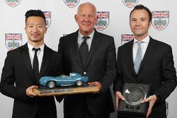 Команда Jackie Chan DC Racing Jota получает трофей Найджела Мура