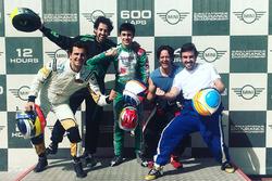Фернандо Алонсо, Давид Видалес, Педро де ла Роса, Анхель Бургеньо в Дубае