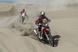 #14 Monster Energy Honda Team Honda: Michael Metge, #60 GasGas Rally Team: Jonathan Barragán