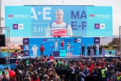 Felix Rosenqvist, Mahindra Racing, celebra en el podio con Sébastien Buemi, Renault e.Dams, Sam Bird, DS Virgin Racing