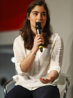 Jamie Chadwick talks to Henry Hope-Frost on the Autosport Stage