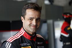 #39 Audi Sport Team WRT Audi R8 LMS: Pedro Lamy