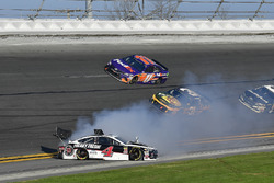 Kevin Harvick, Stewart-Haas Racing Ford Fusion spins