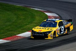 Ryan Truex remplace Marcos Ambrose