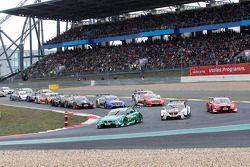 Start zum Rennen, Augusto Farfus, BMW Team RBM BMW M3 DTM führt