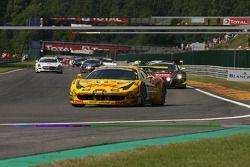 Pace lap; #52 Esporte garagem Ferrari 458 Italia: Romain Brandela, Leonardo Gorini, Stéphane Lemeret