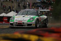 Een beetje te close... #94 SpeedLover Porsche 997 GT3 R: Jean-Michel Gerome, Wim Meulders, Rik Renan