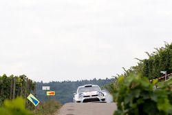 Sebastien Ogier, Julien Ingrassia, Volkswagen Polo WRC Volkswagen Motorsport at first Stage with bro