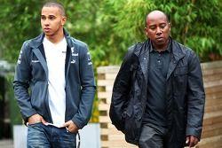 Lewis Hamilton, Mercedes AMG F1mit seinem Vater Anthony Hamilton