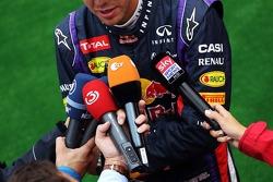 Sebastian Vettel, Red Bull Racing com a imprensa