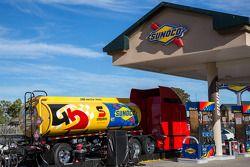 Un montón de gasolina a mano en la pista de Sonoma