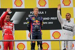 Podium: Sieger Sebastian Vettel, 2. Fernando Alonso, 3. Lewis Hamilton
