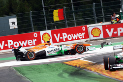 Paul di Resta, Sahara Force India retires from the race after colliding with Pastor Maldonado, Willi
