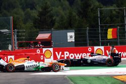 Paul di Resta, Sahara Force India se retira de la carrera tras chocar con Pastor Maldonado, Williams