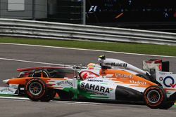 Sergio Perez, McLaren e Paul di Resta, Sahara Force India disputam por posição