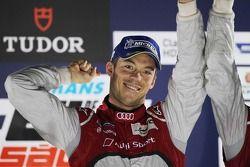 Racewinnaar Andre Lotterer, Audi Sport Team Joest, Audi R18 e-tron quattro viert het resultaat op he