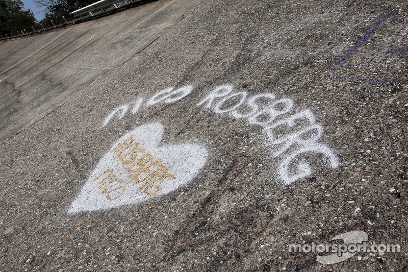 Support for Nico Rosberg, Mercedes AMG F1 on the old Monza circuit banking