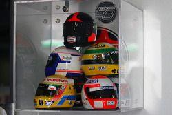 Les casques des anciens champions McLaren