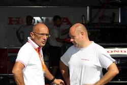 Gabriele Tarquini, Honda Civic, Honda Racing Team J.A.S. en Andrea Adamo, Chief Designer, Honda Racing Team Jas