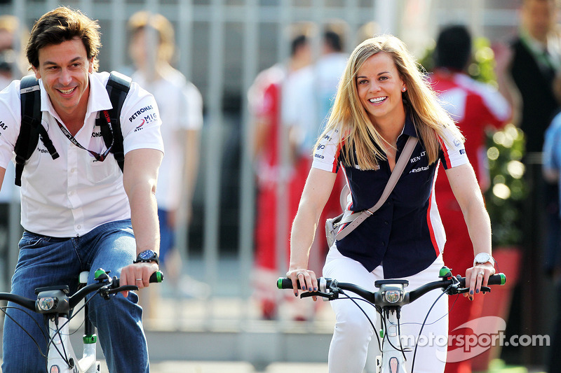 Toto Wolff, acionista e diretor da equipe Mercedes e sua esposa Susie Wolff, Williams FW35 piloto de desenvolvimento