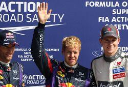 Mark Webber, Red Bull Racing, Sebastian Vettel, Red Bull Racing et Nico Hulkenberg, Sauber F1 Team Formula One team 07