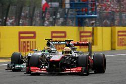 Sergio Pérez, McLaren Mercedes et Lewis Hamilton, Mercedes Grand Prix
