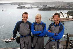 Kris Meeke, Evgeny Novikov e Sébastien Ogier fazem um tour a Ponte do Porto de Sidney