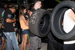 Des pneus à signer