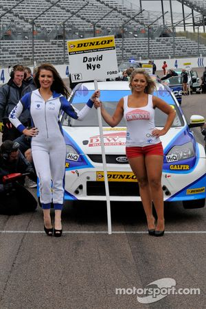 Des gridgirls Welch Motorsport