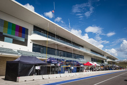 Mix WEC / ALMS configuration for the pitlane