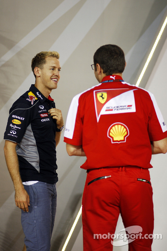 Sebastian Vettel, Red Bull Racing com Stefano Domenicali, Diretor Geral da Ferrari
