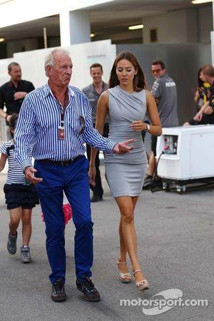 John Button con Jessica Michibata (JPN)