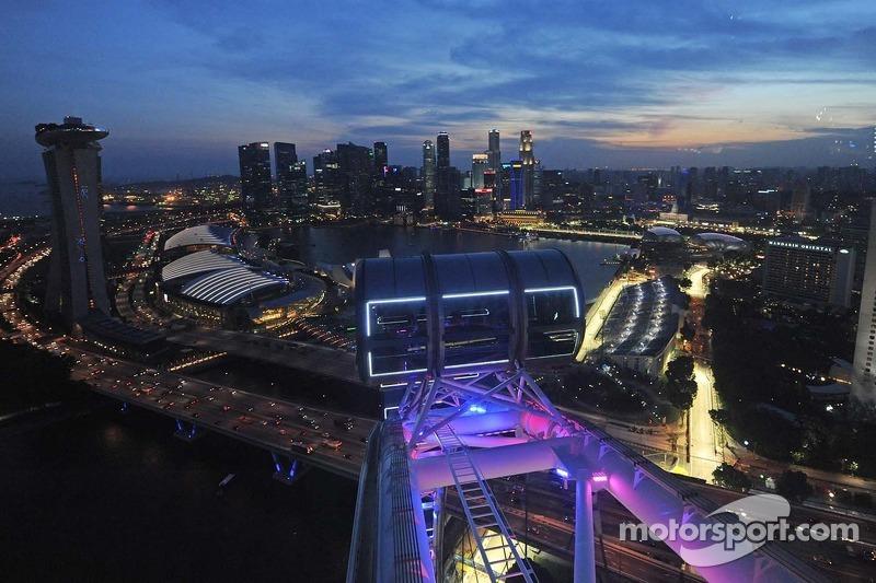 La Escena Desde El Singapore Flyer At Gp De Singapur Formula 1 Fotos