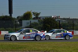Masaki Kano, BMW 320 TC, Liqui Moli Team Engstler en Henry Ho Wai Kun, BMW 320si, Liqui Moly Team En