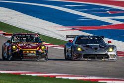 #30 NGT Motorsport Porsche 911 GT3 Cup: Henrique Cisneros, Sean Edwards e #91 SRT Motorsports SRT Vi