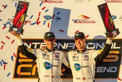 GT pódio: vencedores da classe: Jan Magnussen e Antonio Garcia