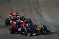 Daniel Ricciardo, Scuderia Toro Rosso STR8 leads Jean-Eric Vergne, Scuderia Toro Rosso STR8