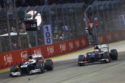 Pastor Maldonado, Williams FW35 y Nico Hulkenberg, Sauber C32