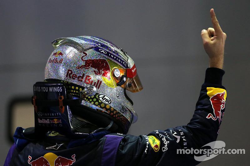 Себастьян Феттель одержал победу, которая вошла в его знаменитую рекордную серию из девяти выигранных гонок подряд. Более того, в Сингапуре он завоевал «Большой шлем»