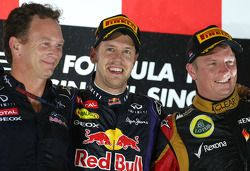Podio: Christian Horner, Red Bull Racing, director deportivo y el ganador de la carrera Sebastian Ve
