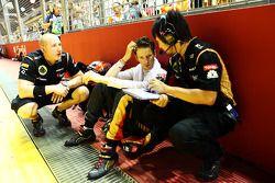 Romain Grosjean, Lotus F1 Team en la parrilla