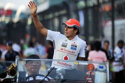 Sergio Pérez, McLaren en el desfile de pilotos