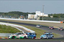 Gabriele Tarquini, Honda Civic, Honda Racing Team J.A.S. e Pepe Oriola, Chevrolet 1.6T, Tuenti Ra