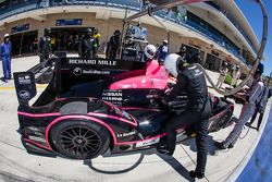 Pit stop for #24 OAK Racing Morgan - Nissan: Olivier Pla, David Heinemeier Hansson, Alex Brundle