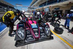 Pit stop #35 OAK Racing Morgan - Nissan: Bertrand Baguette, Ricardo Gonzalez, Martin Plowman