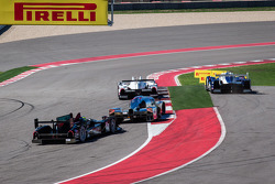 Largada: #16 Dyson Racing Team Lola B12/60 Mazda: Tony Burgess, Chris McMurry goes off track e #6 Muscle Milk Pickett Racing HPD ARX-03c HPD: Lucas Luhr, Klaus Graf takes the lidera