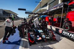 Pit stop #552 Level 5 Motorsports HPD ARX-03b HPD: Scott Tucker, Marino Franchitti, Guy Cosmo