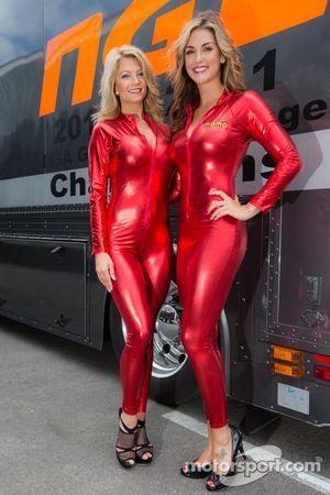 charmin MOMO girls com Paige Duke