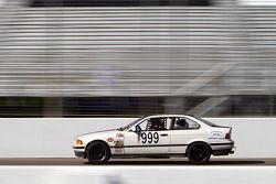 #999 BMW 325is