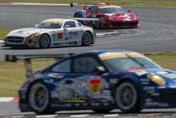 #52 Okinawa-Im Racing met Shift Mercedes SLS AMG GT3: Hironori Takeuchi, Takeshi Tsutchiya, Motoyosh